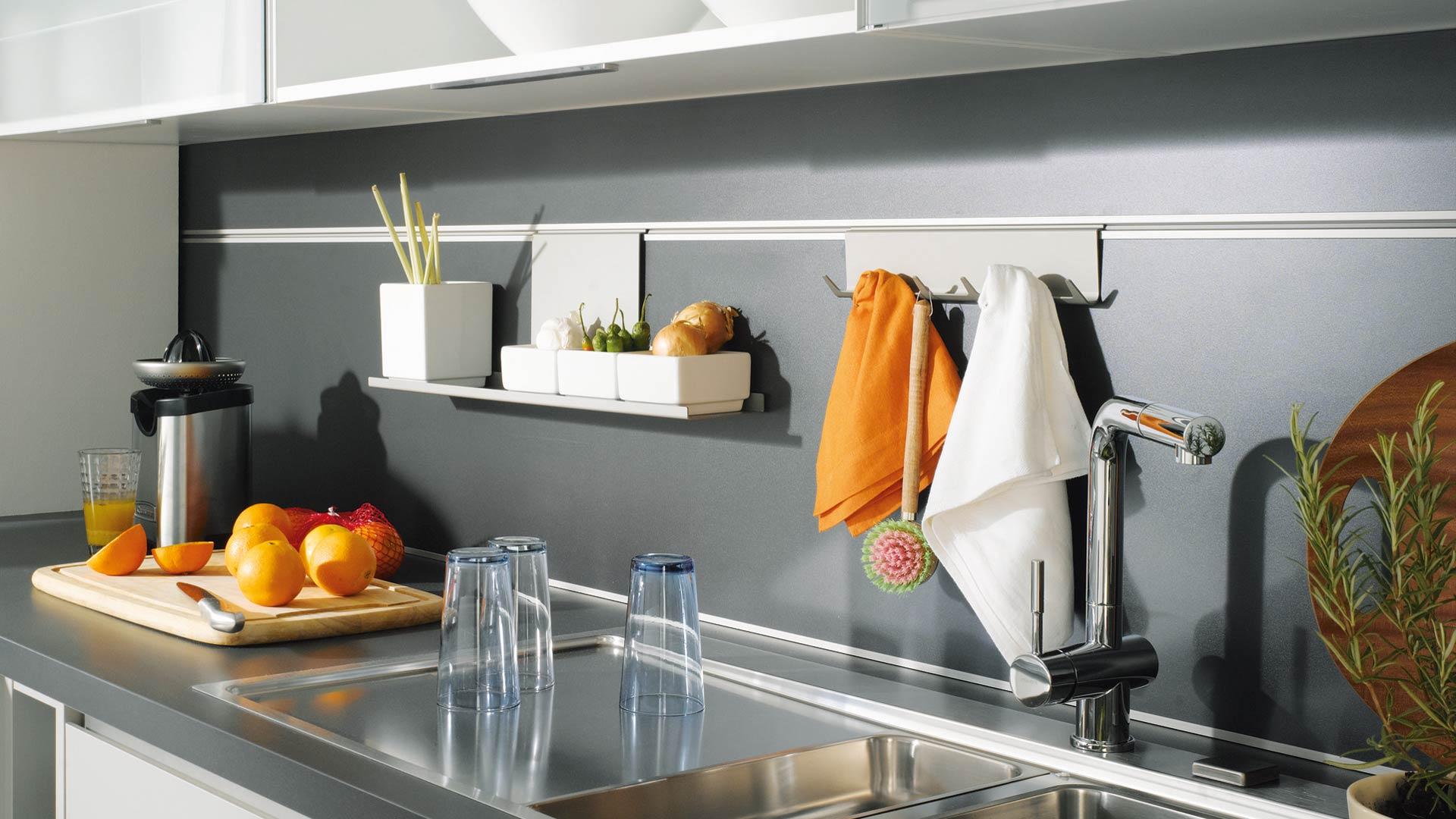 nobilia nischenr ckwand tische f r die k che. Black Bedroom Furniture Sets. Home Design Ideas