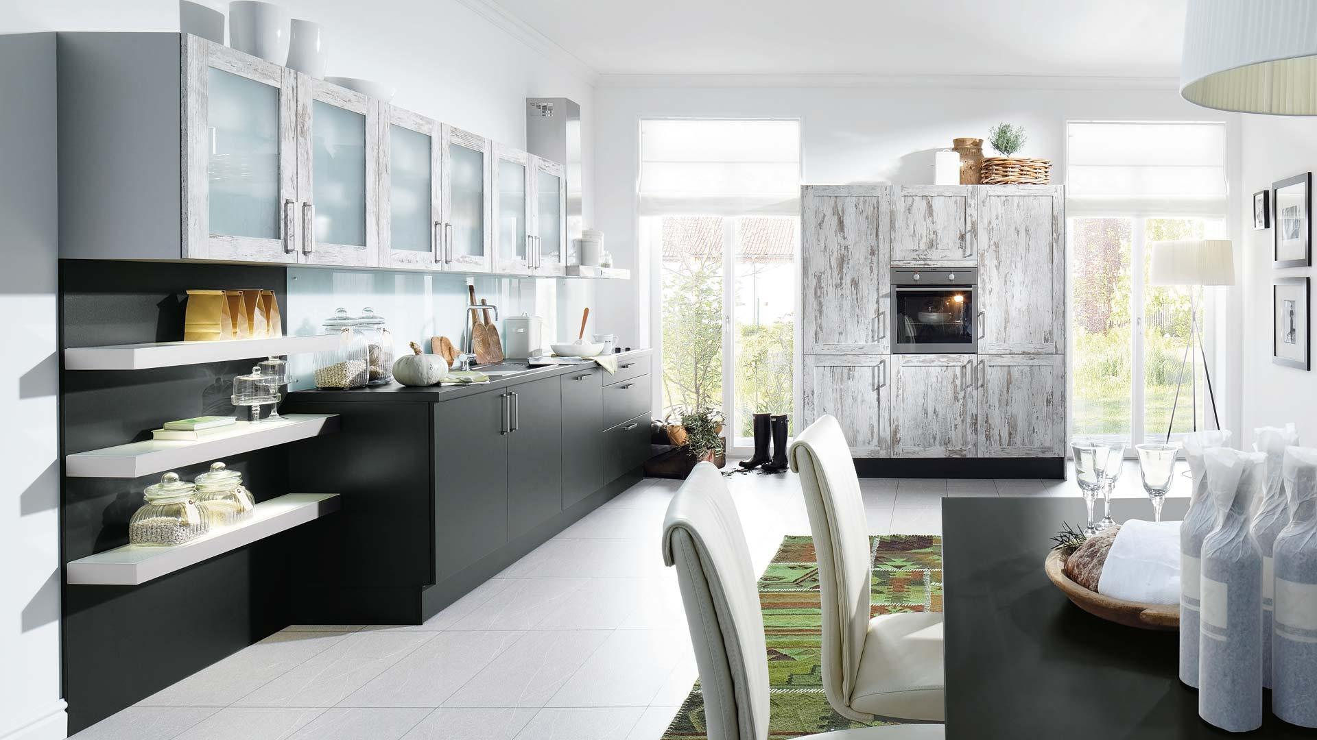 k chen voerde tische f r die k che. Black Bedroom Furniture Sets. Home Design Ideas