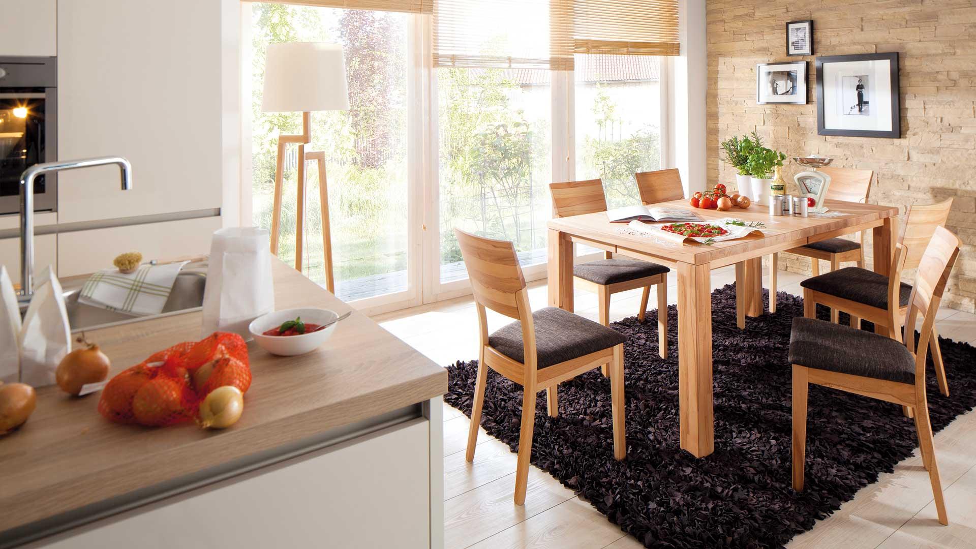 tisch mit sthlen gallery of bar mit sthlen fotos das wirklich spannende stilvolle bar mit. Black Bedroom Furniture Sets. Home Design Ideas
